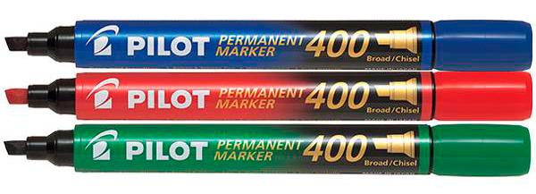 В подарок набор перманентных маркеров PILOT SCA-400 1-4 мм